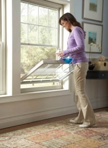 Easy-tilt-in-to-clean-window